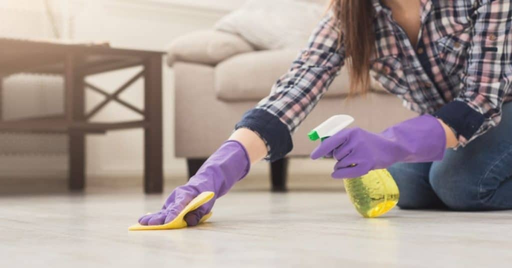 Use DIY Laminate Floor Cleaning Solutions